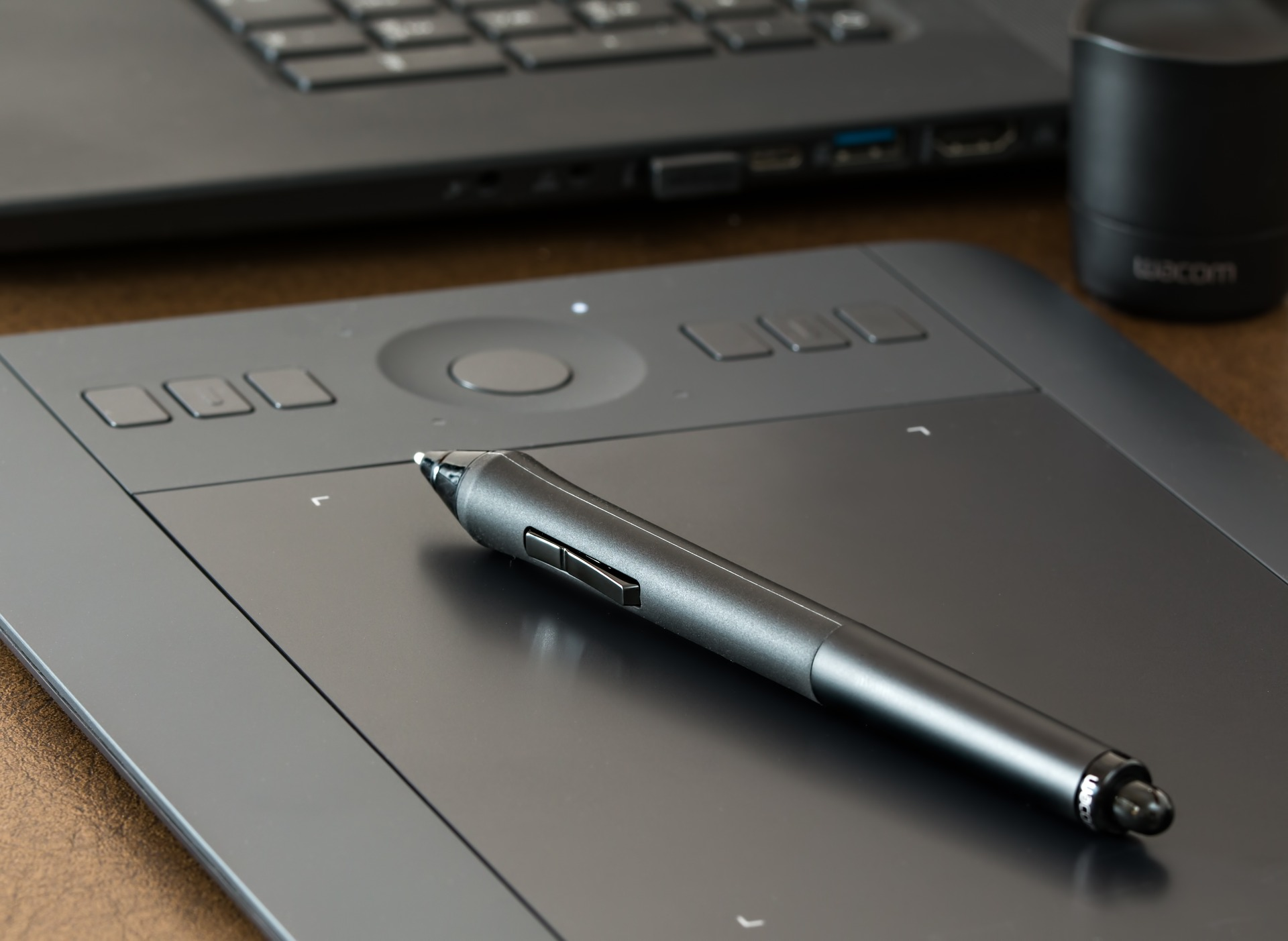 graphics-tablet-1964816_1920